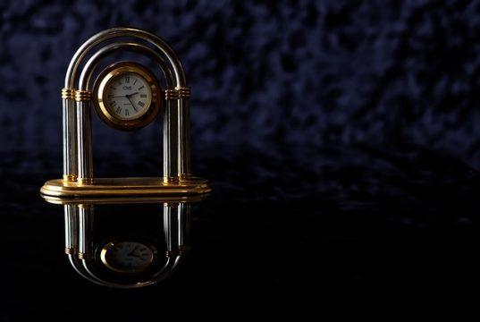 часовник скрита камера